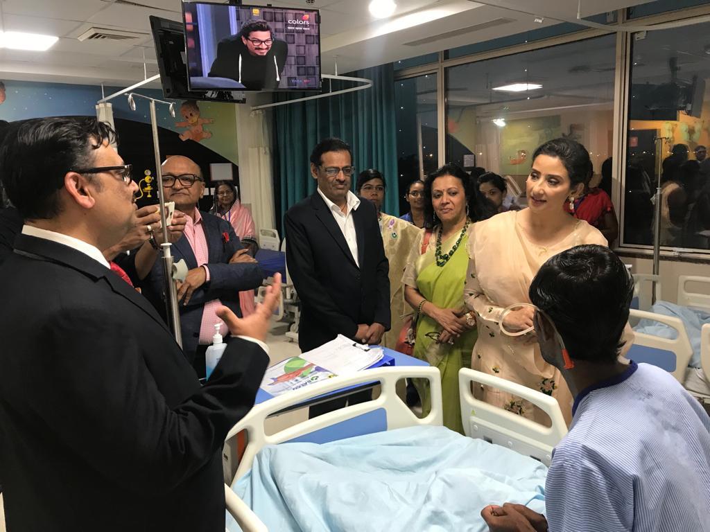 Jyoti Agarwal, Chairperson - BMC (3rd from Right) with actress Manisha Koirala at Balco Medical Centre at Raipur