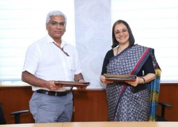 In the picture: Shri KVR Murty, Joint Secretary, MCA (Left) and Smt. MadhabiPuriBuch, Whole Time Member, SEBI (Right)