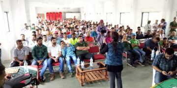 Priyanka Kadam takes rescuers workshop in Valsad, Gujarat
