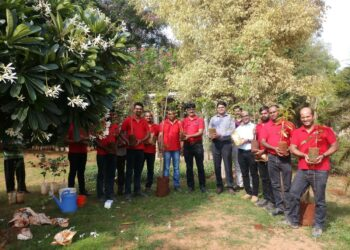 Wienerberger employees plantingsaplings this Environment Day.